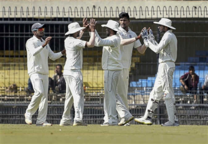 रणजी ट्राफी में 35 पर ऑलआउट मध्य प्रदेश, यह हैं इस टूर्नामेंट के सबसे लो स्कोरिंग मैच