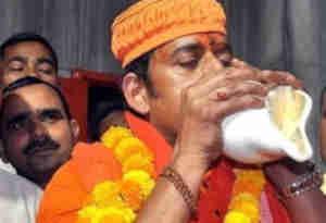 Lok Sabha Election Result 2019 : सात लाख से ज्यादा वोट पाने वाले पहले गैर मंदिर के प्रत्याशी बने रवि किशन