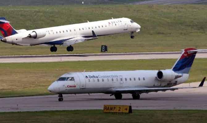 उड़ते हवाई जहाज में दरवाजा खुल गया तो क्या होगा?