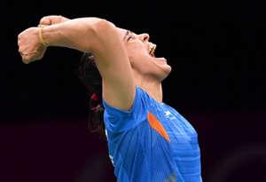 CWG 2018 : साइना नेहवाल ने पीवी सिंघु को फाइनल में हरा कर भारत के नाम किया 26वां गोल्ड
