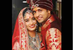 इस वजह से सगाई के 4 साल बाद टीवी एक्टर शक्ति अरोडा़ ने गर्लफ्रेंड नेहा सक्सेना से की गुपचुप शादी