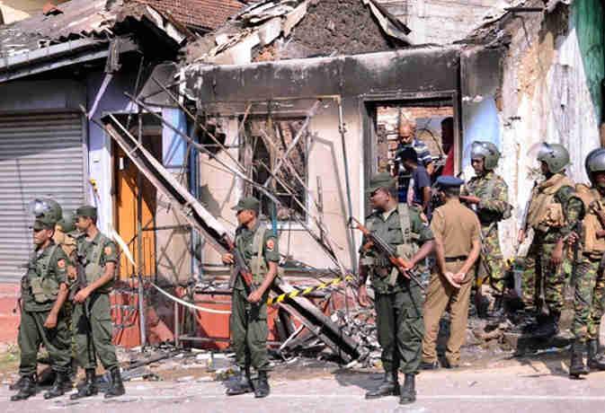 श्रीलंका हिंसा: दो दिन में हुईं ये पांच बड़ी बातें