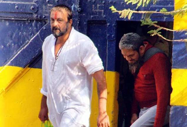 आखिर क्यों मांगी संजय दत्त ने जेल से छुट्टी, कारण अब तक साफ नही