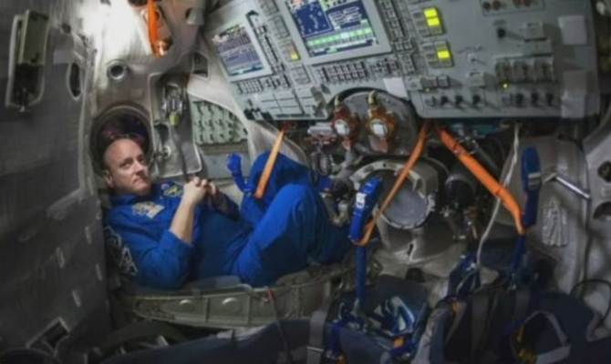 अंतरिक्ष में एक साल गुजारना कैसा लगता है?