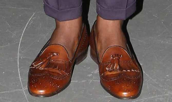 अगर बिना मोजे जूते पहनते हैं तो संभल जाइए!