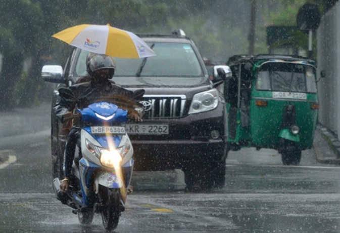 श्रीलंका में भारी बारिश से अब तक 12 लोगों की मौत, देश में करीब 69,000 लोग प्रभावित
