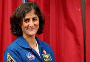 सुनीता विलियम का बेसिक गोताखोर अधिकारी से अंतरिक्ष यात्री तक का सफर