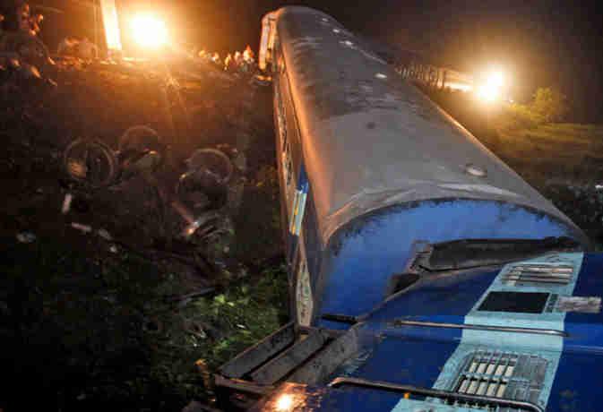 मध्यप्रदेश में कटनी-चौपन पैसेंजर ट्रेन के 5 डिब्बे पटरी से उतरे, कई यात्री घायल