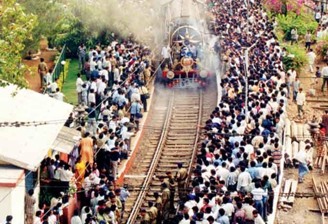 164 साल पहले सवा घंटे में 33.7 Km चली थी भारत की पहली पैसेंजर ट्रेन, ये हैं भारत की सबसे लंबी दूरी वाली पांच रेलगाड़ियां