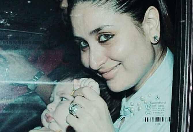 बॉलीवुड की ग्रैंड पार्टी में मां करीना की गोद में खेलते दिखे तैमूर,तस्वीरें बना देंगी दीवाना