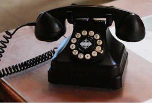 आज ही के दिन दुनिया को मिला था पहला पुश बटन फोन, तस्वीरों में देखें अनोखा सफर