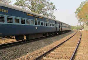 मुगलसराय-इलाहाबाद रूट पर अब लेट नहीं होंगी ट्रेन, बिछेगी तीसरी रेल लाइन