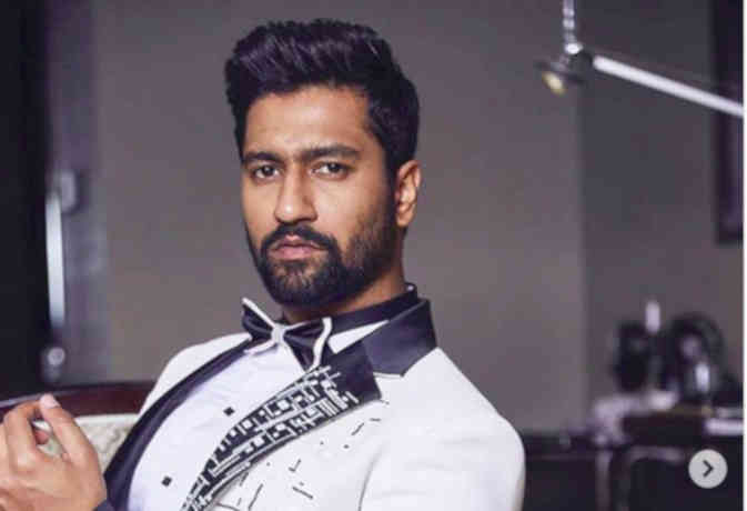 Happy Birthday Vicky Kaushal: From Dola Re pose to becoming a mannequin, the actor is the king of Instagram