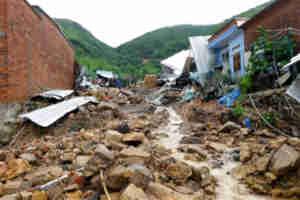 वियतनाम में बाढ़ और भूस्खलन से 14 की मौत, लापता लोगों की तलाश में जुटे सैकड़ों सैनिक