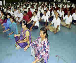 प्रभात तारा मैदान में जुटेंगे 10 हजार लोग, एक साथ करेंगे योगा