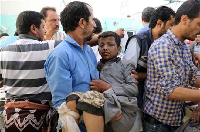 यमन : बस पर हवाई हमले में बच्चे सहित 43 लोगों की मौत,अमेरिका ने किया जांच का आग्रह