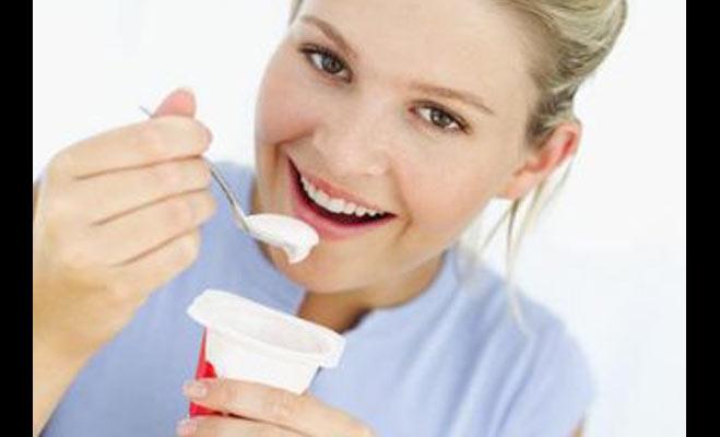 दही में ये 5 चीजें मिला कर खाएं,मोटापा या अपच सहित कई बीमारियों से राहत पाएं