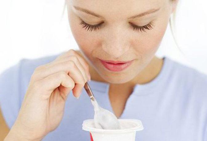 दही में ये 5 चीजें मिला कर खाएं, मोटापा या अपच सहित कई बीमारियों से राहत पाएं