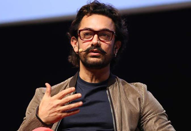 जिस भाई की फिल्म से आमिर खान ने कामयाबी की सीढ़ी चढ़ी, वही अब इसलिए बिता रहा गुमनामी की जिंदगी
