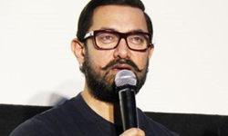 आमिर खान को 10 साल की उम्र में किससे हुआ था साइलेंट लव, फेसबुक लाइव पर किया खुलासा