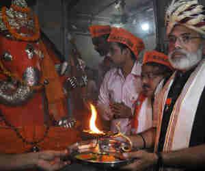राजनाथ सिंह के सामने 'डुप्लीकेट नरेंद्र मोदी' भी ठोकेंगे ताल