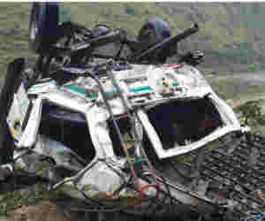 हिमाचल प्रदेश : गहरी खार्इ में गिरी जीप, 10 की मौत दो यात्रियों की हालत गंभीर