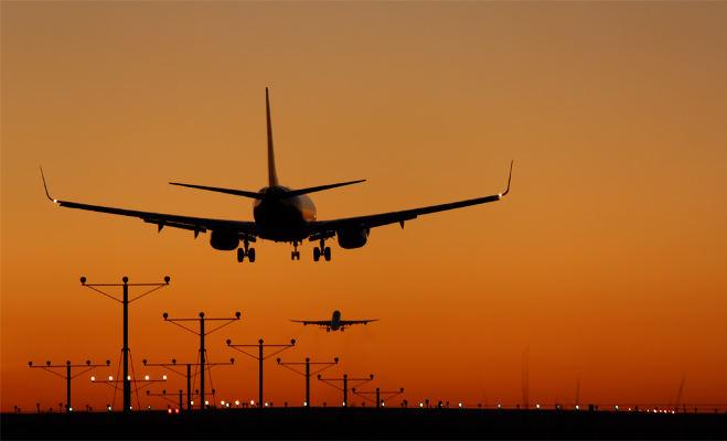 वो अजीबोगरीब वजहें जब हजारों फुट ऊंचाई से विमानों की करानी पड़ी आपात लैंडिंग