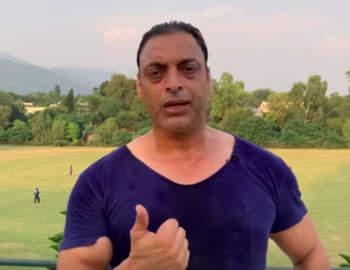 विराट कोहली के फैन हुए शोएब अख्तर, कहा- खुद से पहले टीम के बारे में सोचते हैं
