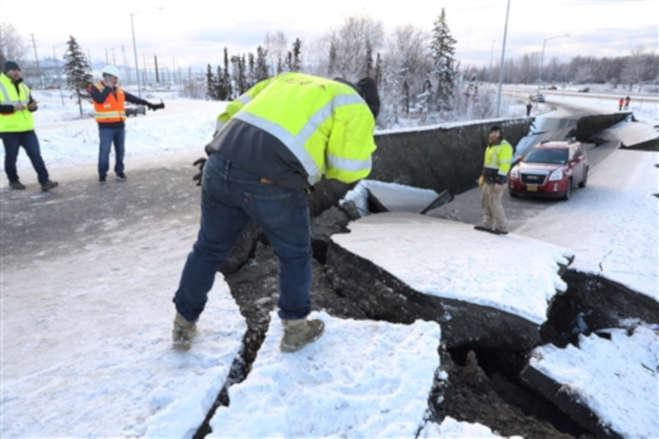 अलास्का में आया 7.0 तीव्रता का जबरदस्त भूकंप, तहस-महस हुआ इलाका