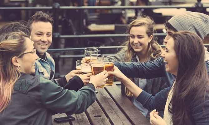 शराब पीने के बाद लोग अंग्रेजी क्यों बोलते हैं?