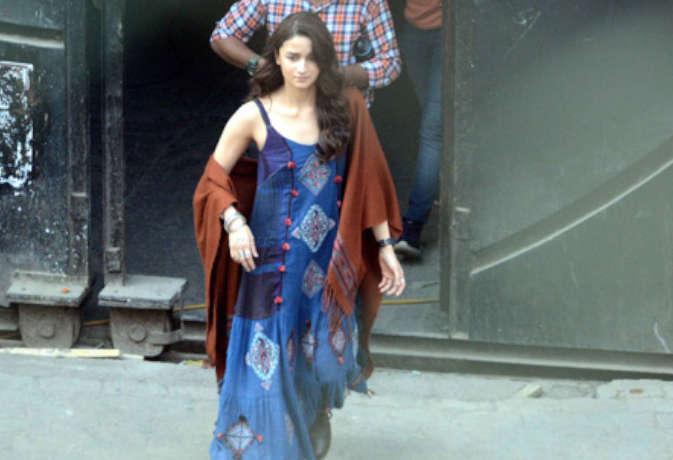 'ब्रह्मास्त्र' के सेट से सामने आईं आलिया की तस्वीरें,देखें फिल्म में इनका ये खास लुक