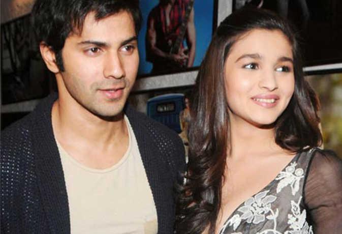 आलिया और वरुण की फिल्म 'कलंक' के सेट पर दो सांपों ने मचाया बवाल, रुकी शूटिंग, जानें फिर क्या हुआ
