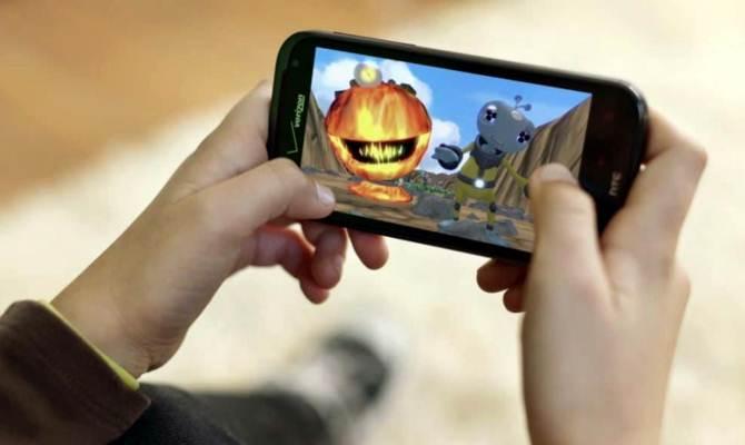 अगर आप भी ये मोबाइल गेम खेलते हैं तो फौरन बंद कर दीजिए कहीं फोन आपका खेल न बिगाड़ दे!