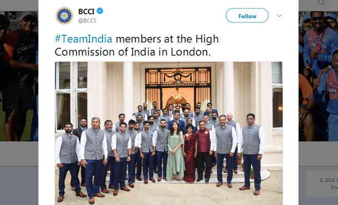 अनुष्का शर्मा शामिल हुईं टीम इंडिया में,फैंस पूछ रहे क्या अगला मैच खेलेंगी?