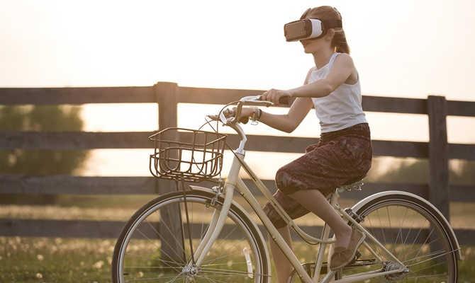 फेसबुक बना रहा है हाईटेक ar ग्लासेस,अब लोग दुनिया देखेंगे फेसबुक की नजर से