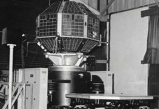 आर्यभट्ट के साथ भारत ने आज के दिन रचा था इतिहास, जानें अंतरिक्ष में भारत की उपलब्धियां