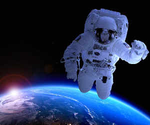नासा के इन एस्ट्रोनॉट्स ने किया साढ़े 6  घंटे का स्पेस वॉक, सबसे बड़ा रिकॉर्ड सुनकर चौक जाएंगे