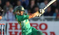 आज ही के दिन वनडे में सिर्फ चौके-छक्के से बने थे 500 रन