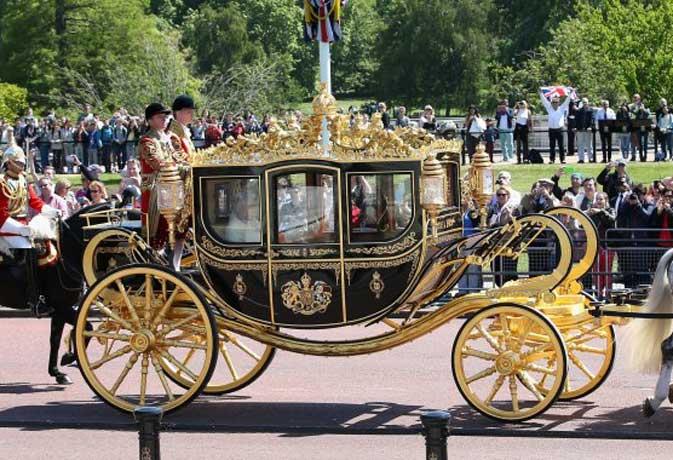 महारानी की बग्घी में सवारी करना चाहते हैं अमेरिकी प्रेसिडेंट ट्रंप