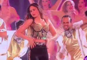मिस इंडिया 2018 के मंच पर करीना ने दी धमाकेदार डांस परफॉर्मेंस, देखें वीडियो