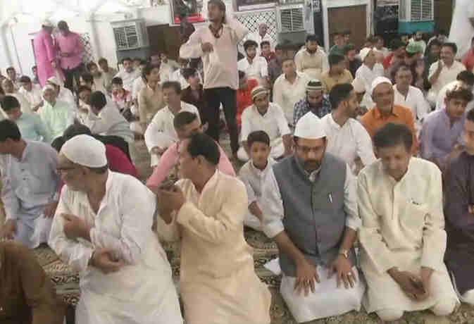 ईद-उल-जुहा : जामा मस्जिद में अदा हुर्इ नमाज, राष्ट्रपति व प्रधानमंत्री ने दी शुभकामनाएं