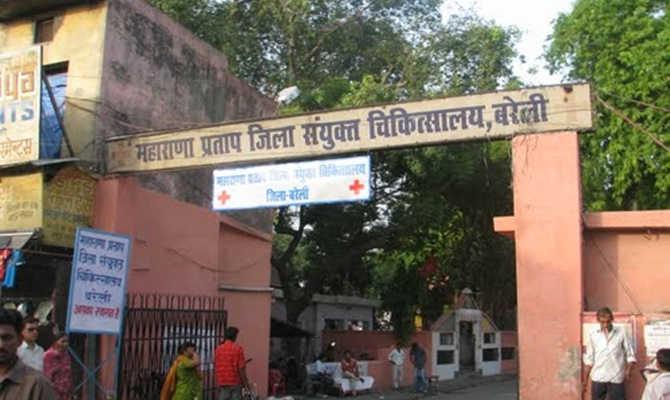 बरेली: मौत के बाद मरीज को डिस्ट्रिक्ट हॉस्पिटल में सजा-ए कैद