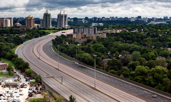 चीन ने बना ली है ऐसी रोड, जो दौड़ती कारों को करती है चार्ज, बाकी खूबियां भी हैं कमाल