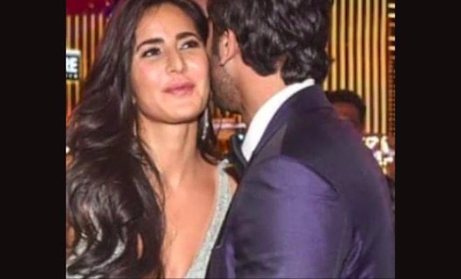 रणबीर ने एक्स गर्लफ्रेंड कैटरीना को लगाया गले,आलिया रह गईं देखती