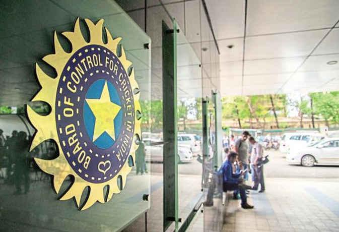आईपीएल से बीसीसीआई को होने जा रहा इतने हजार करोड़ का मुनाफा