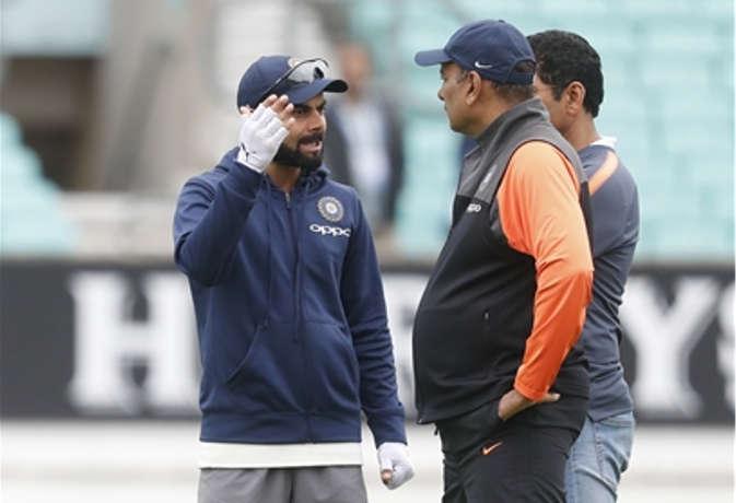टीम इंडिया के सीरीज हारने के बाद मालामाल हुए रवि शास्त्री, करोड़ों में हुई कमाई
