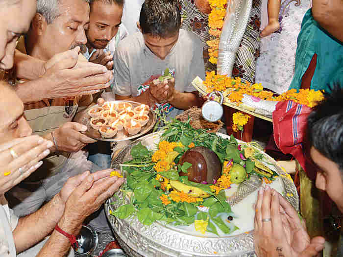 Shravan 2019 Know About Bel Patra Significance In Lord Shiva