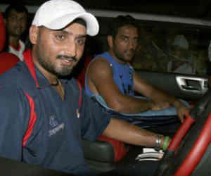 भारत का यह दिग्गज गेंदबाज घर खर्च चलाने के लिए विदेश जाकर ट्रक चलाने वाला था