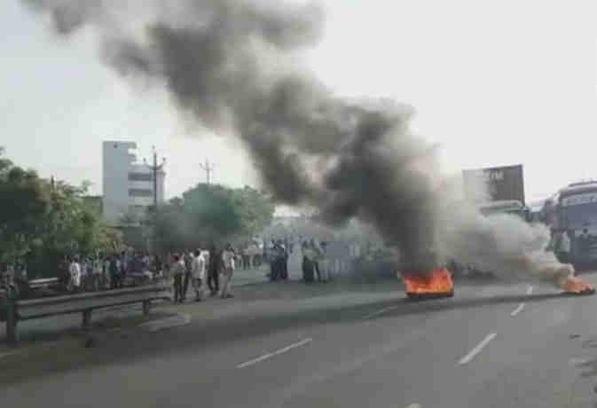 भारत बंद : मंहगे पेट्रोल पर राहुल गांधी ने किया पैदल मार्च,  इन शहरों में दिखने लगा असर