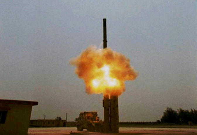 भारत ने किया ब्रह्मोस सुपरसोनिक क्रूज मिसाइल का सफल परीक्षण, रक्षा मंत्री ने ट्वीट कर दी बधाई